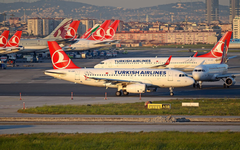 Turkish Airlines запускает рейсы из Санкт-Петербурга в Стамбул и Анталью