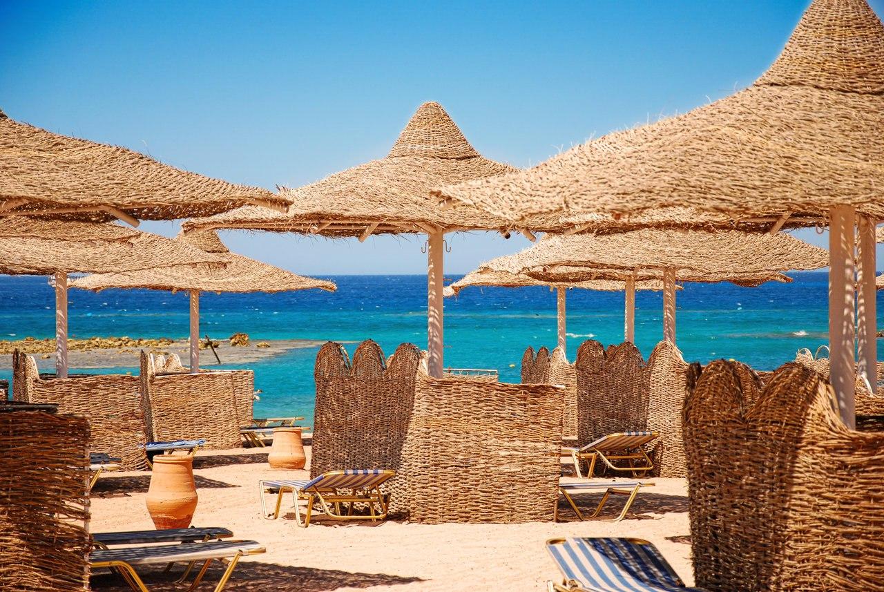 Ростуризм напомнил: перевозка туристов на курорты Египта через третьи страны не соответствует Указу Президента