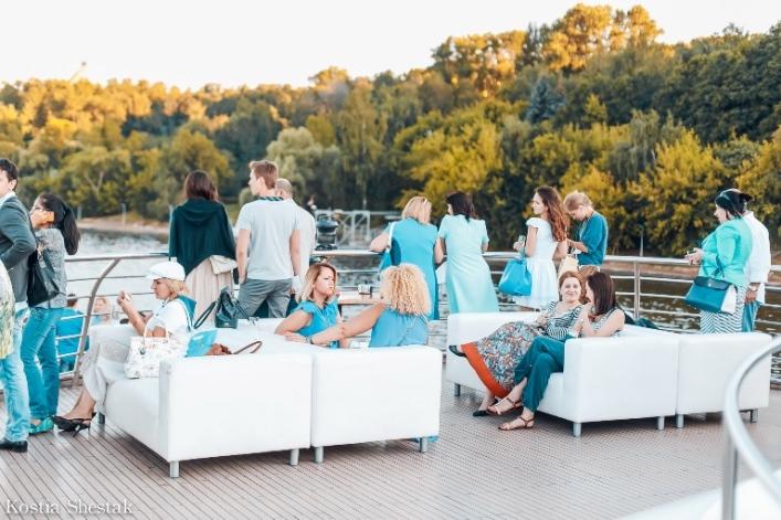 Флотилия «Рэдиссон Ройал» запускает спецрейс поМоскве-реке вчесть «Международного Дня Красоты»