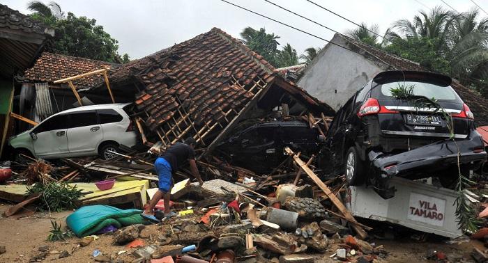 Российские туристы непострадали врезультате цунами вИндонезии