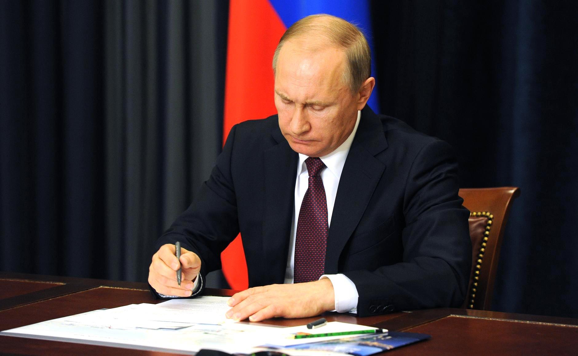 Путин запретил пассажирское авиасообщение сГрузией