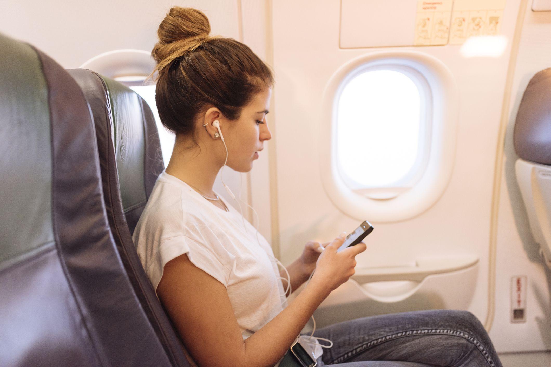 Летом 2020-го авиапутешествия по России стали почти на четверть дешевле