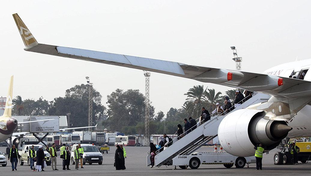 Аэропорт Ливии подвергли ракетному обстрелу
