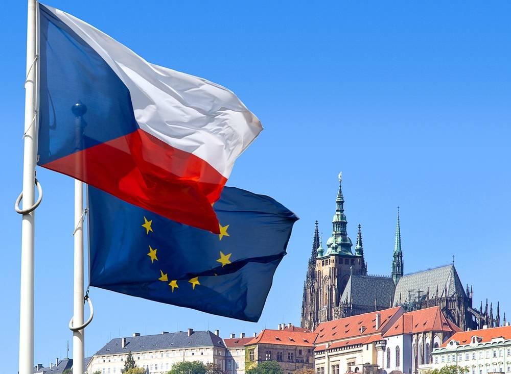 Президент Чехии: границы не следует открывать в течение года