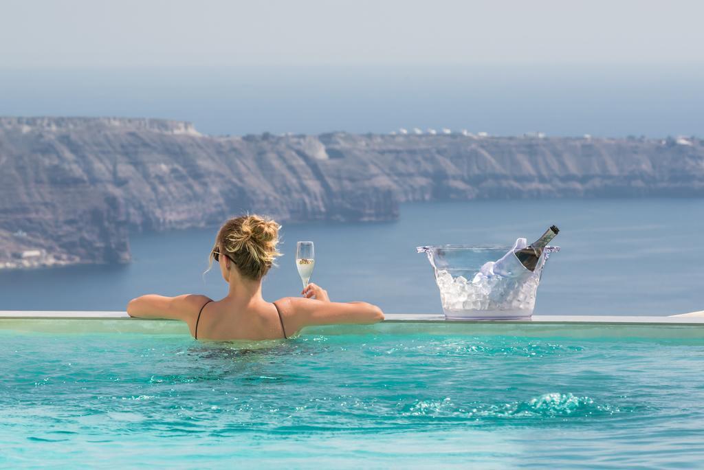 Грецию всё чаще выбирают богатые туристы