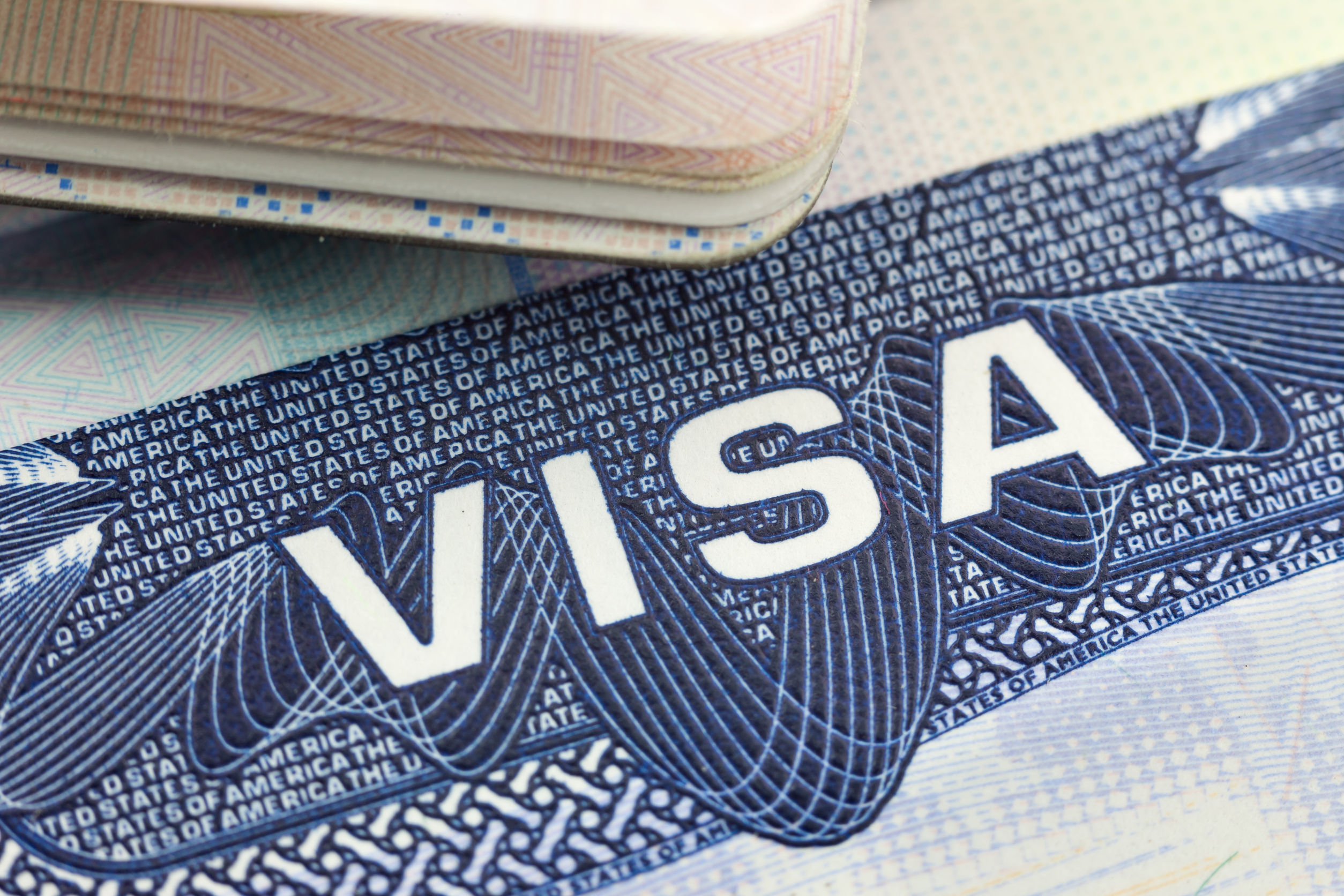 Натерритории РФиностранцам могут увеличить срок действия визы