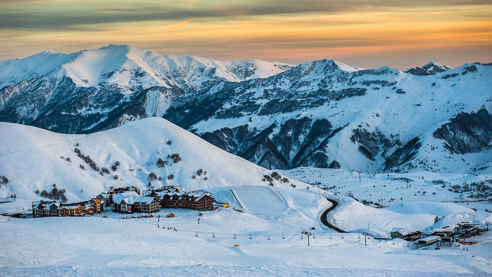 Лыжи, экскурсии или пляж: чем займутся россияне вновогодние праздники