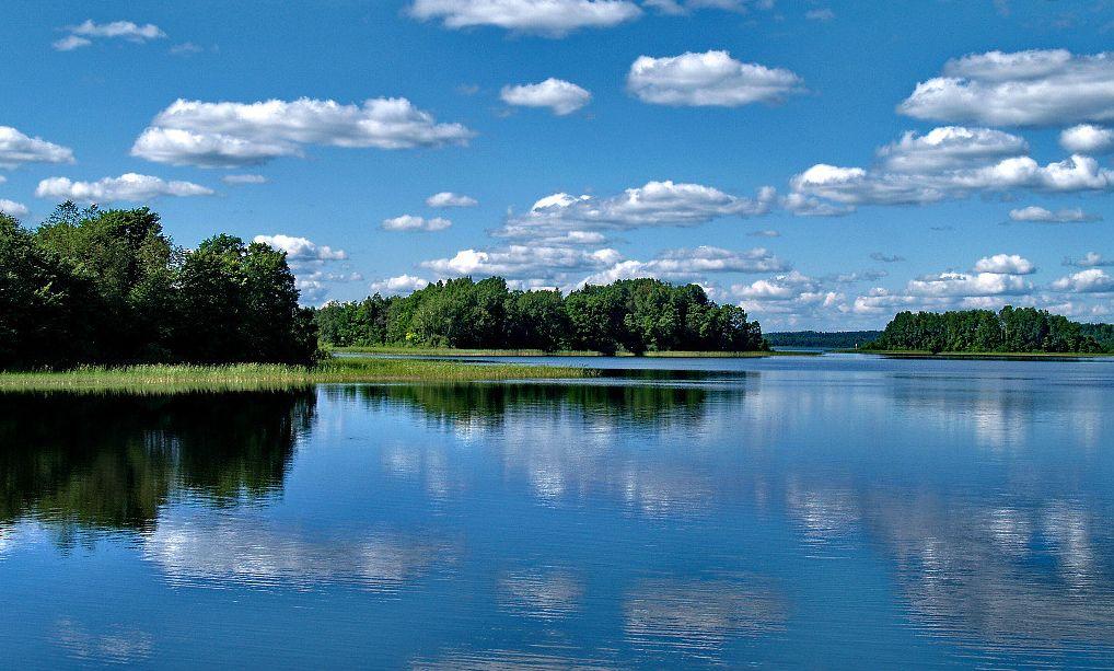 Названы самые популярные озера для отдыха наДень России