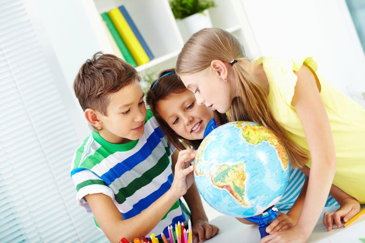 Представители турбизнеса провели благотворительные экскурсии для 3000 детей