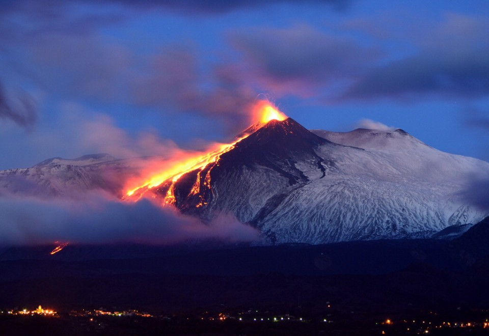 МИД предупредил туристов обактивности вулкана вИталии