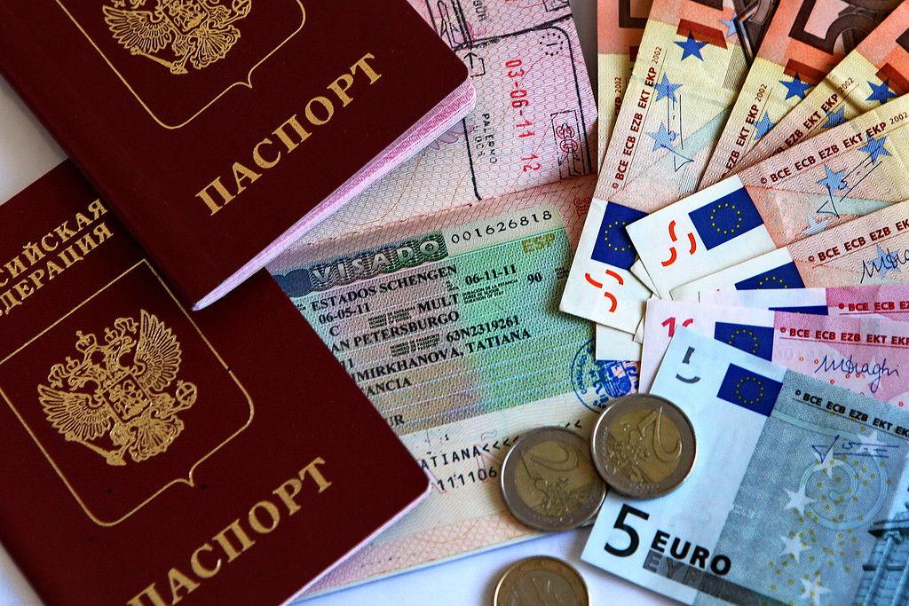 Россиянам рекомендуют подавать документы нашенген заранее