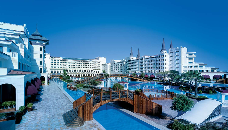 Отель Titanic Mardan Palace вТурции откроется фестивалем Coral Travel May Fest