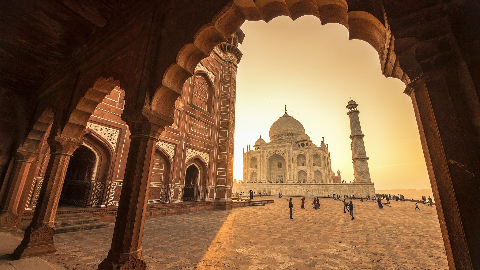 МИД призвал туристов изРФсоблюдать осторожность награнице Индии иПакистана