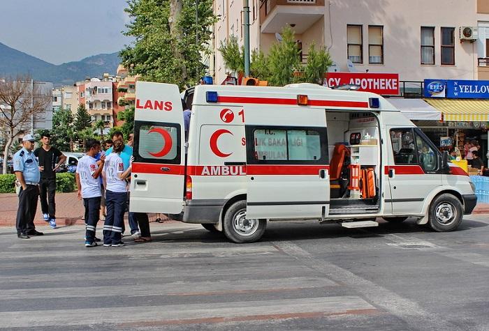 В Турции туристический автобус попал в ДТП