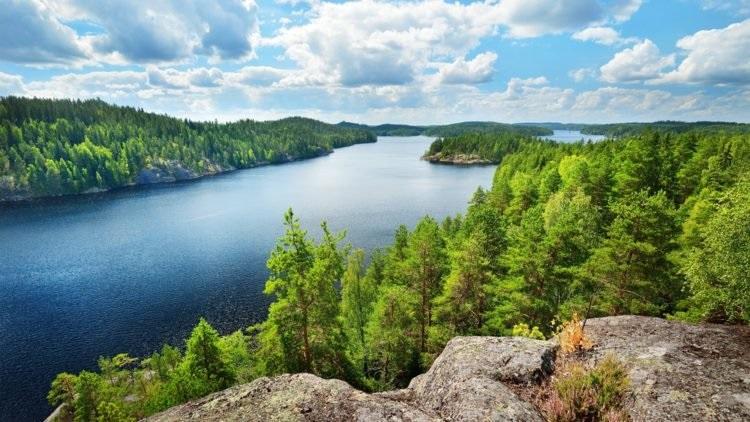Санкт-Петербург откроет туристический коридор вФинляндию