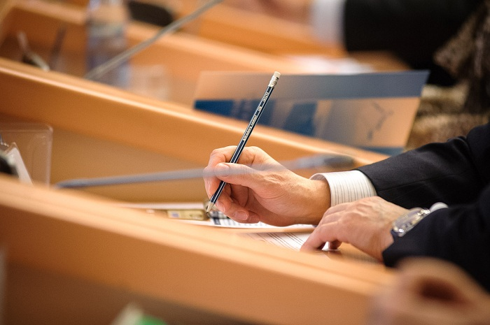 Законопроект обаккредитации ВЦотозван
