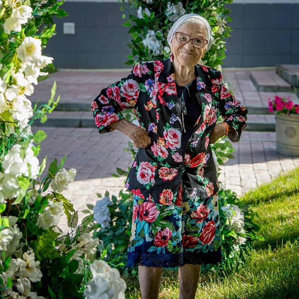 Скончалась известная 91-летняя путешественница баба Лена
